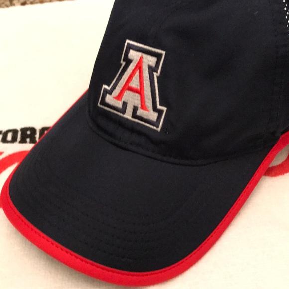 buy online 03a37 bf0e6 University Of Arizona Wildcats hat NIKE. M 5c3d79fc534ef969a472c7f3